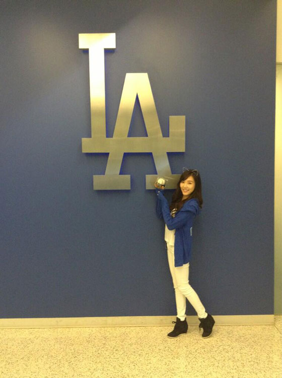 SNSD Tiffany LA Dodgers baseball