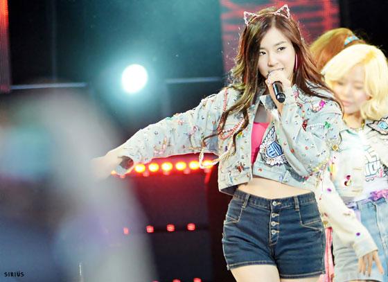 SNSD Tiffany 2013 Yonsei University Festival