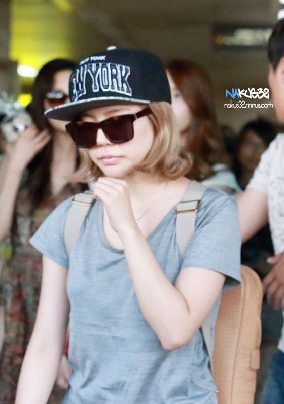 SNSD Sunny Gimpo Airport fashion