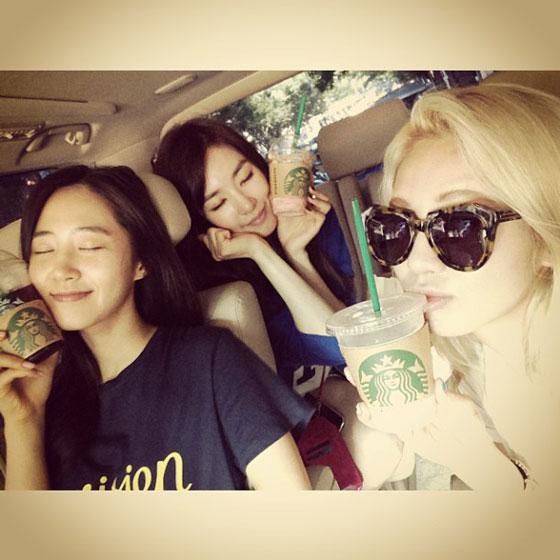 Hyoyeon Yuri Tiffany Instagram selca