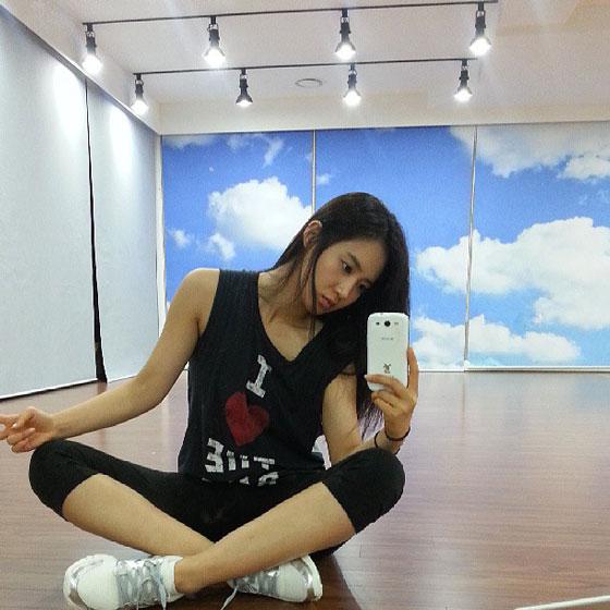 SNSD Yuri dance practice Instagram