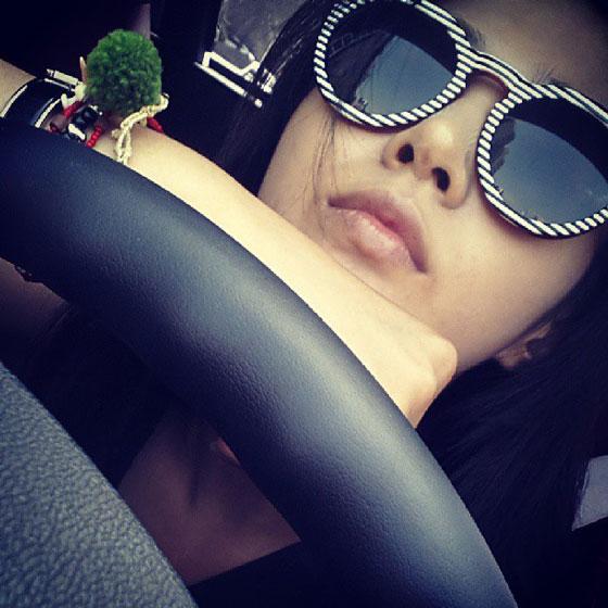 Girls Generation Yuri Instagram selca