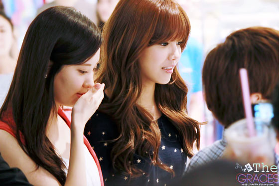 Seohyun Sooyoung Tommy Hilfiger fansign event
