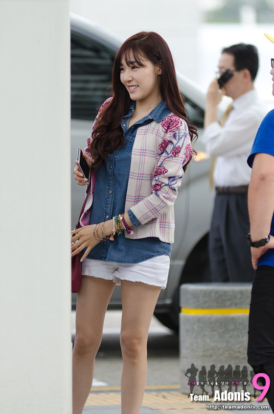 SNSD Tiffany Incheon Airport to Indonesia