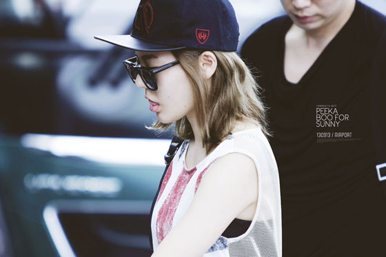 SNSD Sunny Incheon Airport Indonesia style