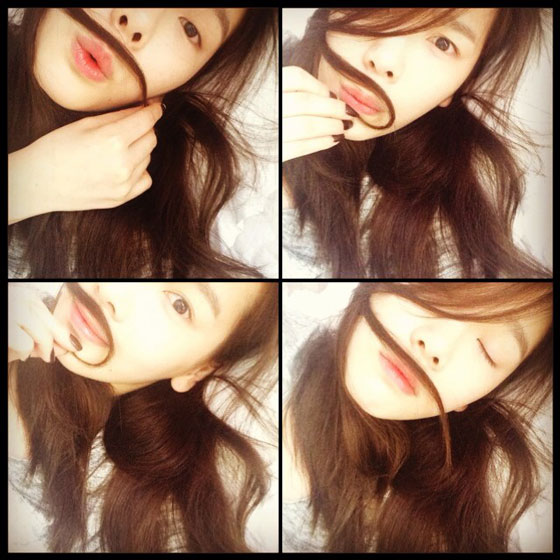 SNSD Taeyeon moustache Instagram selca