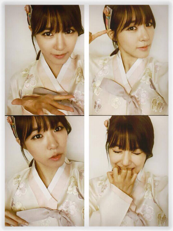 SNSD Tiffany Korean Hanbok selca