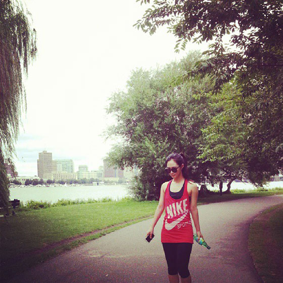 SNSD Yuri jogging Instagram selca
