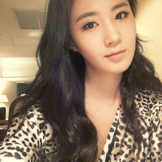SNSD Yuri August Instagram selca