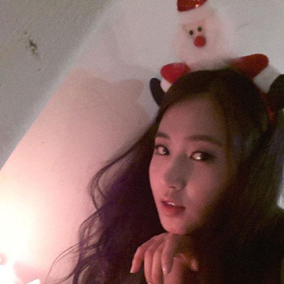 SNSD Yuri aegyo Instagram selca