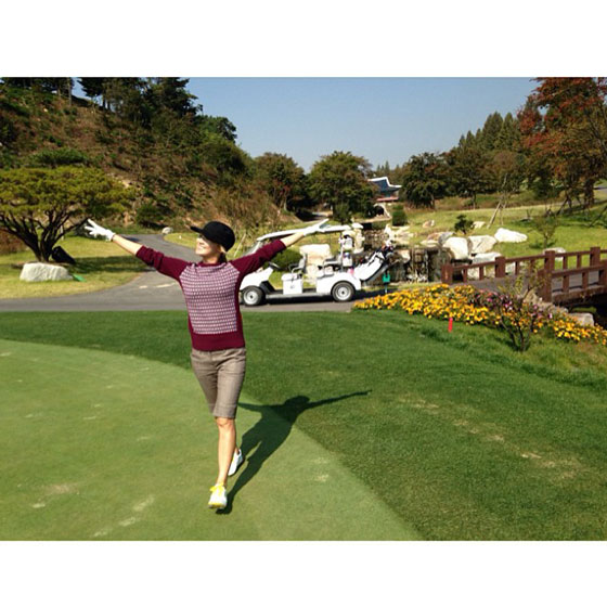 Girls Generation Hyoyeon golf Instagram