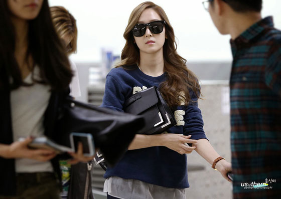 SNSD Jessica airport layered fashion