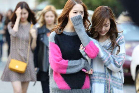 SNSD arriving at Music Bank 131018