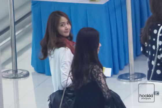 SNSD Yoona Seohyun Suvarnabhumi Airport