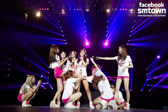 SNSD Girls Peace World Tour 2013 Hong Kong