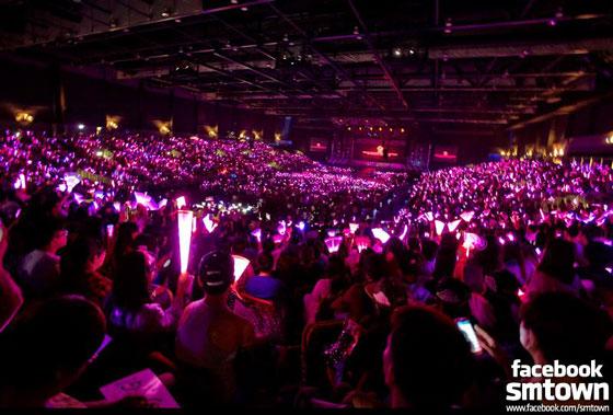 SNSD Girls Peace World Tour 2013 Hong Kong
