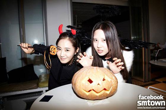 SNSD Yuri Seohyun SMTOWN Halloween Party