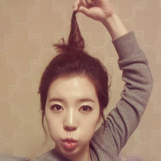 SNSD Sunny long hair selca