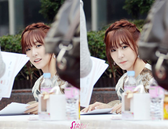 SNSD Tiffany Lotte Department Store fansign