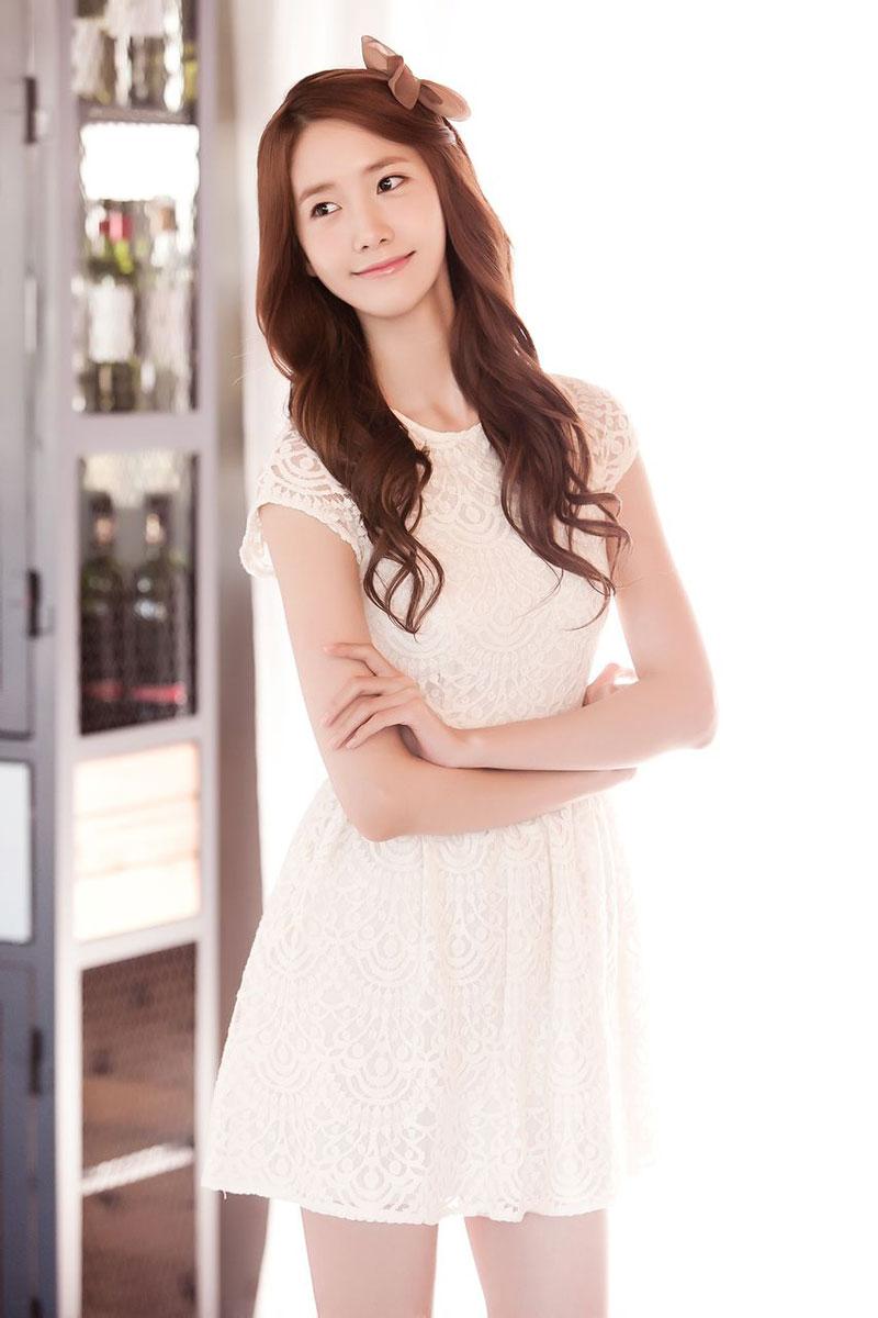 Yoona Alcon contact lenses