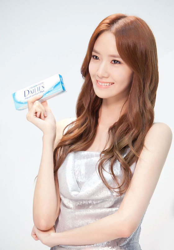 SNSD Yoona Alcon contact lenses
