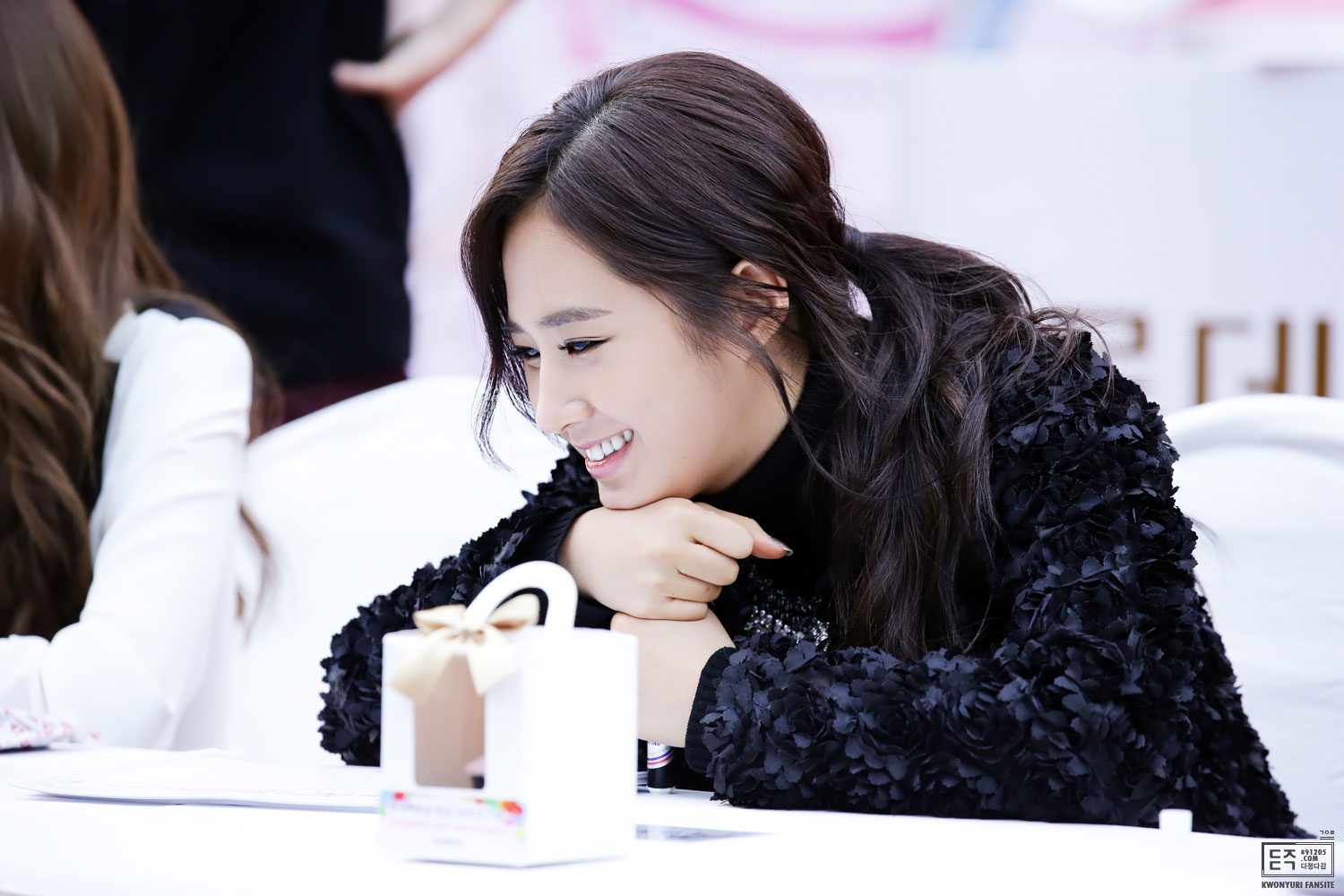 Yuri @ Lotte Department Store fansign