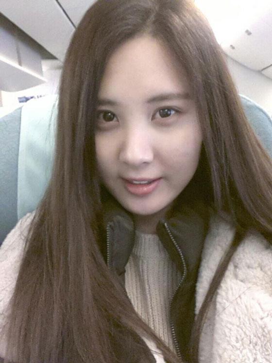 SNSD Seohyun airplane 2013 Twitter selca