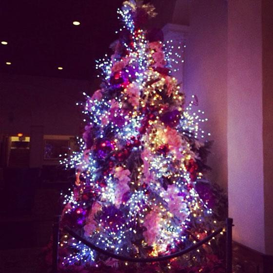 SNSD Taeyeon Christmas tree 2013