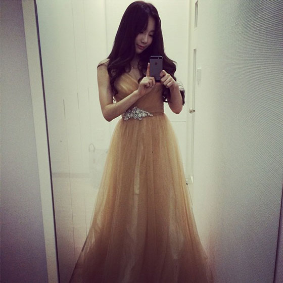 SNSD Taeyeon pretty gown Instagram selca