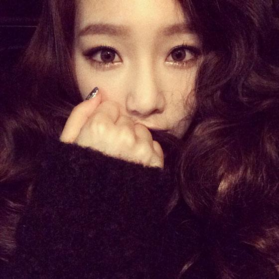 SNSD Taeyeon December 2013 Instagram selca