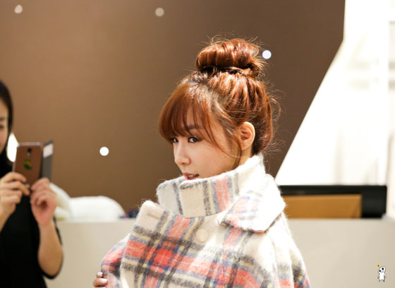 SNSD Tiffany QUA fashion store visit