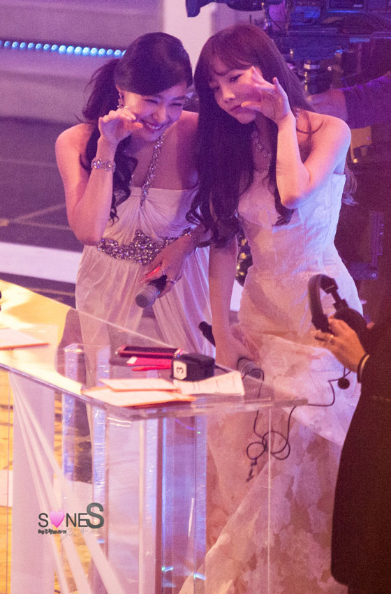 SNSD Taeyeon Tiffany Golden Disk Awards 2014