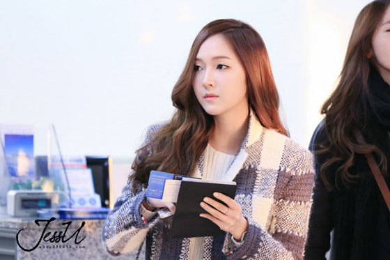SNSD Jessica Gimpo Airport fashion to Japan