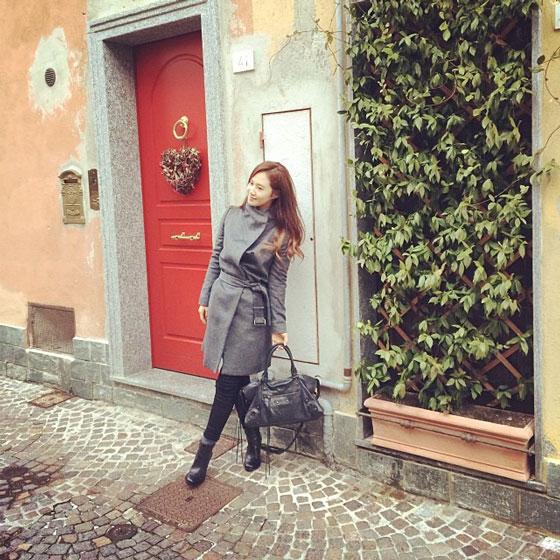 SNSD Yuri Como Italy Instagram