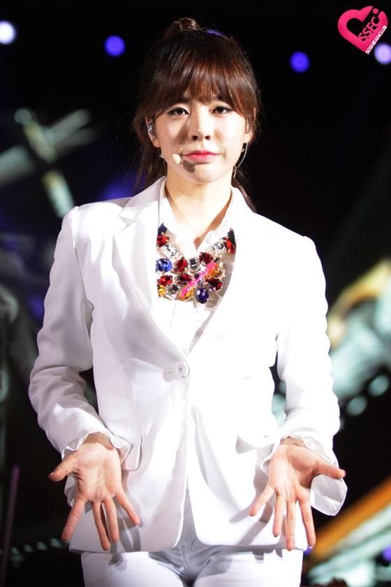 SNSD Sunny HEC Korea Festival in Vietnam 2014