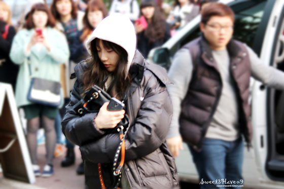 SNSD Taeyeon KBS Music Bank arrival 140314