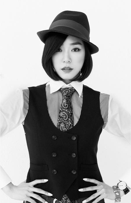 SNSD Tiffany Mr Mr black white