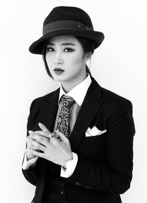 SNSD Yuri Mr Mr black white