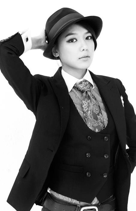 SNSD Sooyoung Mr Mr black white