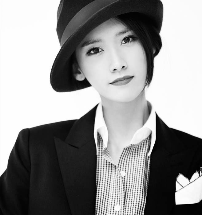 SNSD Yoona Mr Mr black white