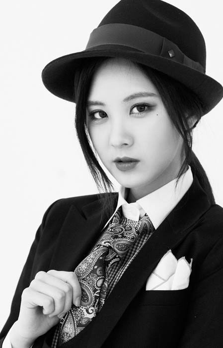 SNSD Seohyun Mr Mr black white