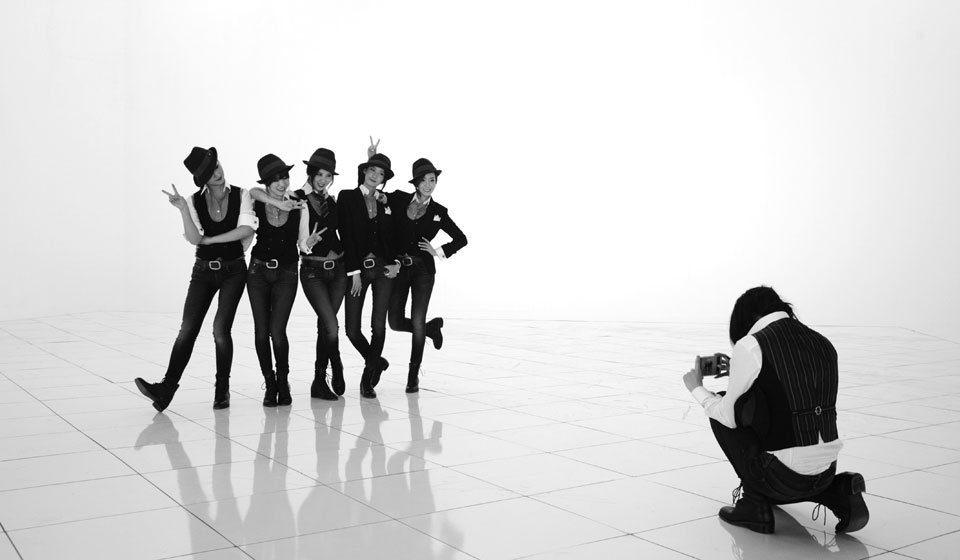 Girls Generation Mr Mr black white