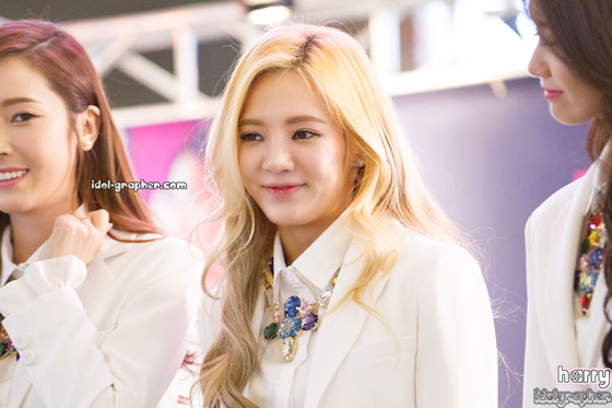 SNSD Hyoyeon MrMr IFC Mall fansign event