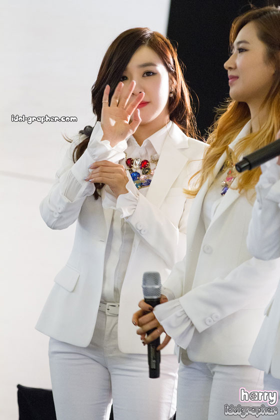 SNSD Tiffany MrMr IFC Mall fansign event