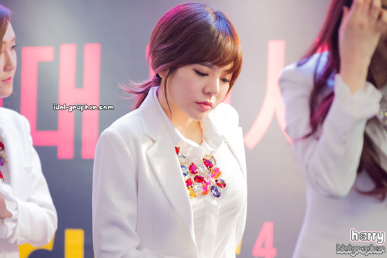 SNSD Sunny MrMr IFC Mall fansign event
