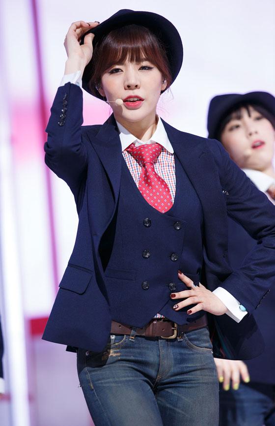 SNSD Sunny MrMr Mcountdown comeback stage
