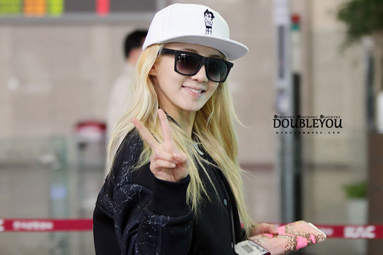 SNSD Hyoyeon Gimpo airport fashion 140301