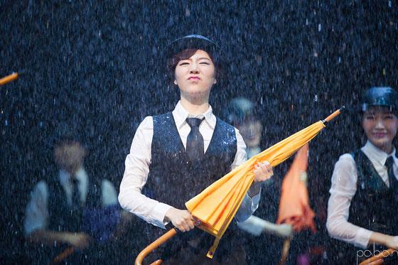 SNSD Sunny Singin In The Rain Musical