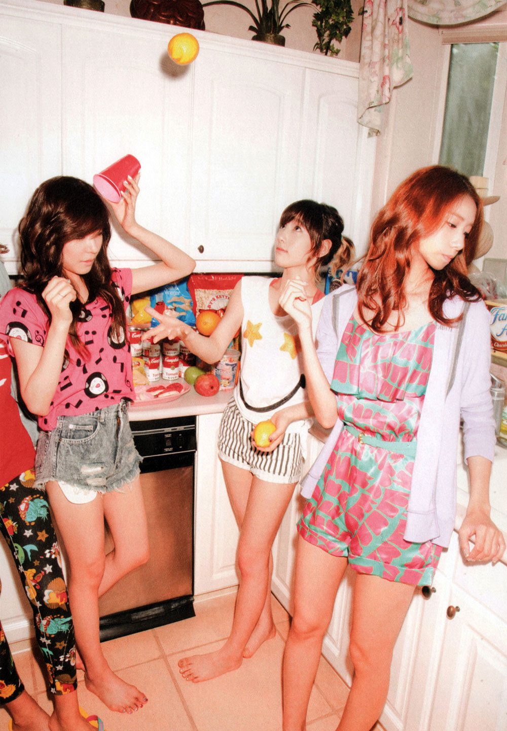 Girls Generation Holiday Japanese photobook