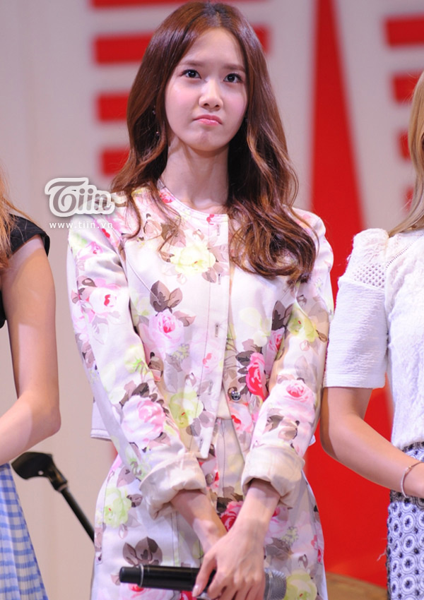 SNSD Yoona Lotte Department Store Vietnam opening